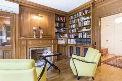 Spacious apartment near Turo Park in Barcelona